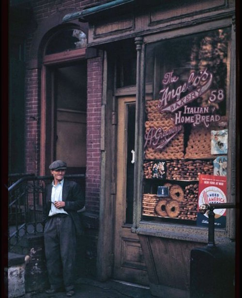 italian-bake-shop-below-canal-st-58-mulberry-st-new-york-1942